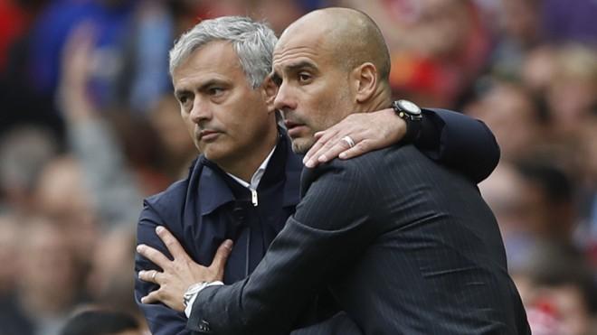 """Lielais klubu futbols <i>iet gaisā</i>: Mančestras """"United"""" ieskandinās Premjerlīgas sezonu"""