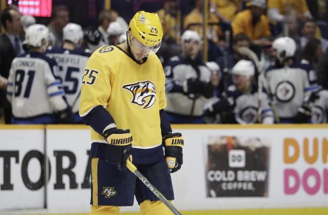 """Septiņas sezonas NHL aizvadījušais Jemeļins pievienojas Hārtlija vadītajai """"Avangard"""""""