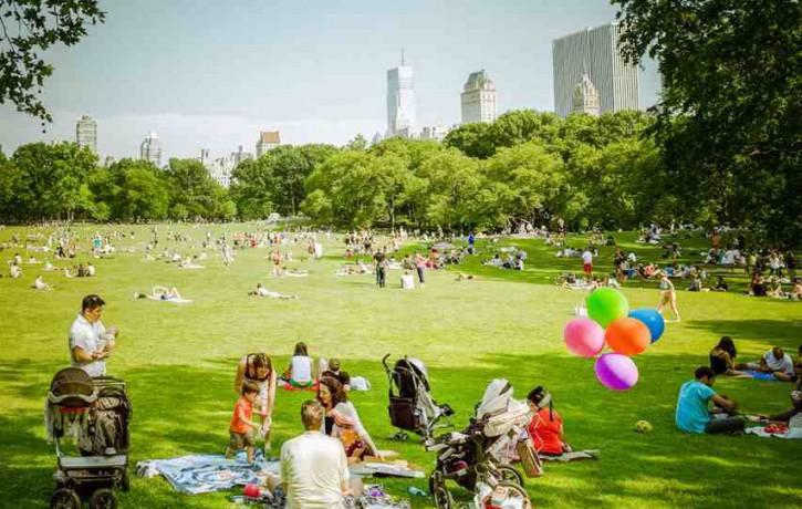Bezmaksas SMIEKLU JOGAS nodarbība- pikniks jau šo sestdien Lucavsalā