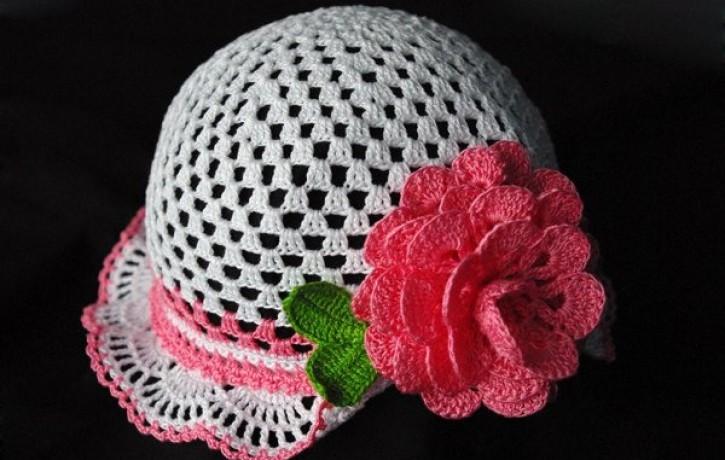 Tamborēta romantiska vasaras cepurīte