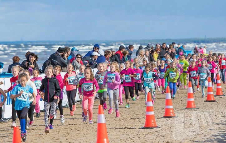Nedēļas nogalē Jūrmalas pludmalē skriešanas un nūjošanas entuziastus sveiks Eiropas un Baltijas Vieglatlētikas savienību prezidenti
