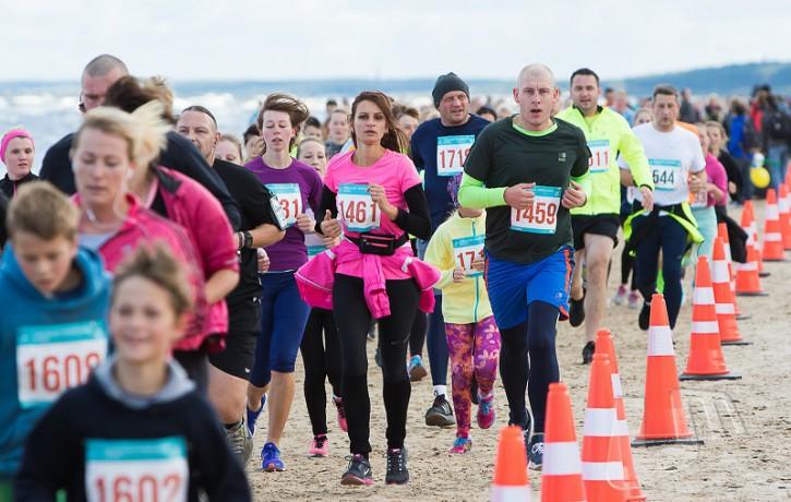 Seši padomi, kā pareizi sagatavoties pirmajām skriešanas sacensībām: iesaka fizioterapeits M. Osovskis