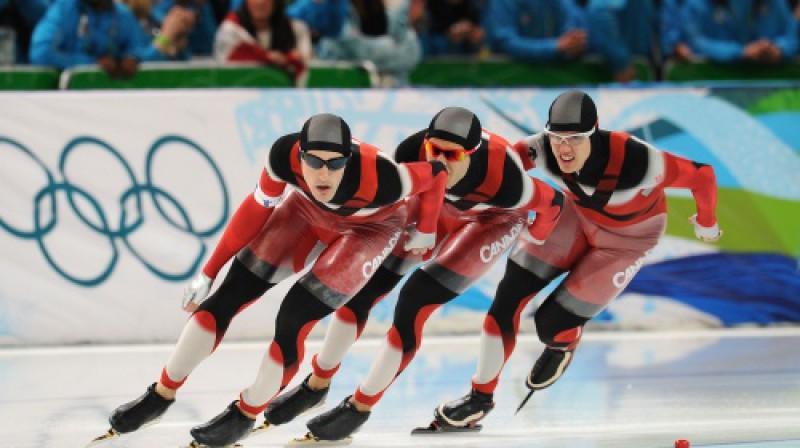 Kanādas ātrslidotāji distancē Foto: AFP/Scanpix