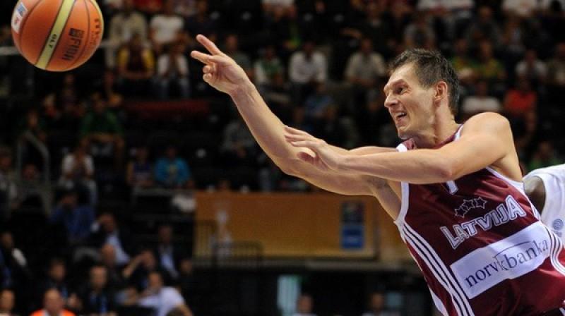 Jānis Blūms šodien bija īsts komandas kapteinis Foto: Romāns Kokšarovs, Sporta Avīze