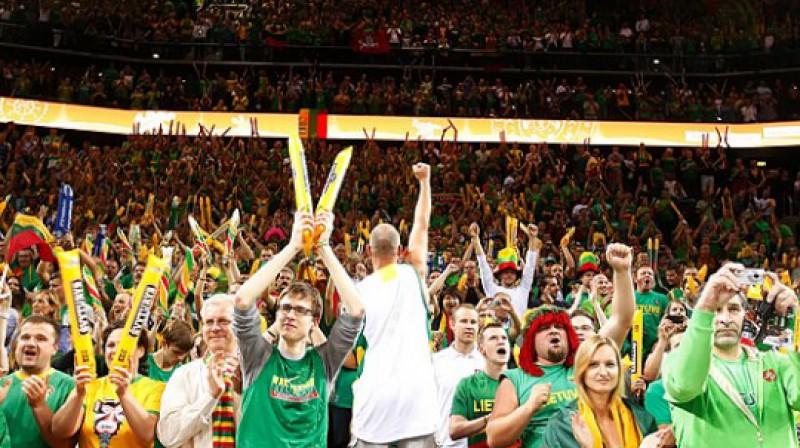 """Lietuvas līdzjutēji """"Žalgirio Arena"""" Kauņā Foto: www.fibaeurope.com Elio Castoria"""