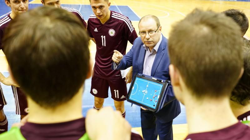 Latvijas telpu futbola izlases galvenais treneris Artūrs Šketovs. Foto: Romāns Kokšarovs/f64