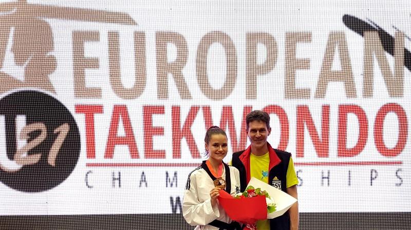 Inese Tarvida un treneris Markuss Kolefels. Foto: tcc-friedrichshafen.de