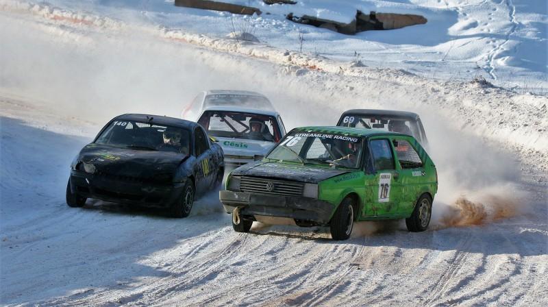 Mārtiņš Starks ar konkurentiem. Foto: Autocross.lv