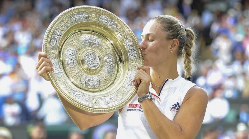 2016. gadā Andželika Kerbere triumfēja Melburnā un Ņujorkā, bet 2018. gadā pievienoja arī Vimbldonas trofeju. Foto: SIPA/Scanpix