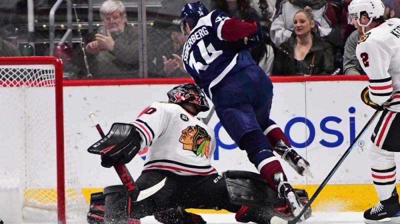 """""""Avalanche"""" spēlētājs Karls Soderberjs uzbrukumā. Foto: USA Today Sports/Scanpix"""