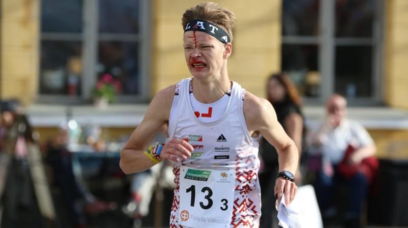 Uldis Upītis finišē stafetes sacensībās. Foto: Latvijas Orientēšanās federācija