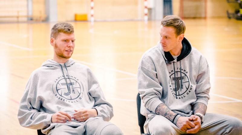 Dāvis Bertāns un Jānis Timma. Publicitātes foto