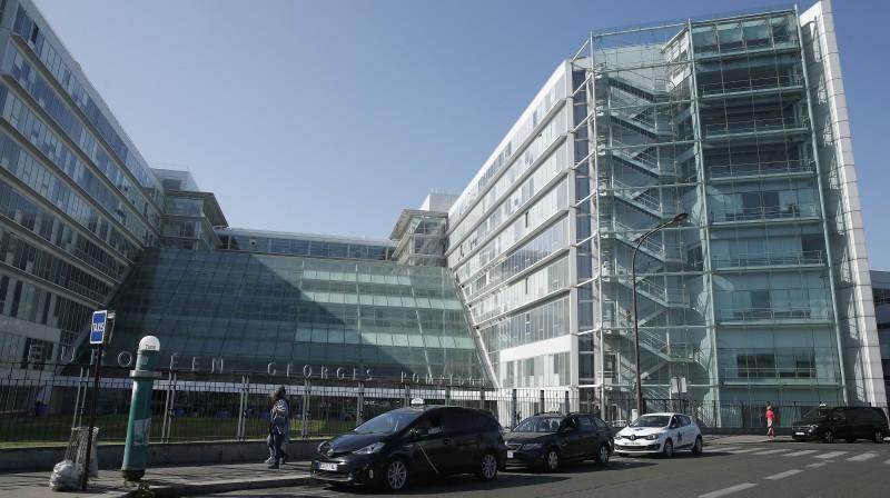 Slimnīca Parīzē, kurā ārstējas Mihaels Šūmahers. Foto: EPA/Scanpix