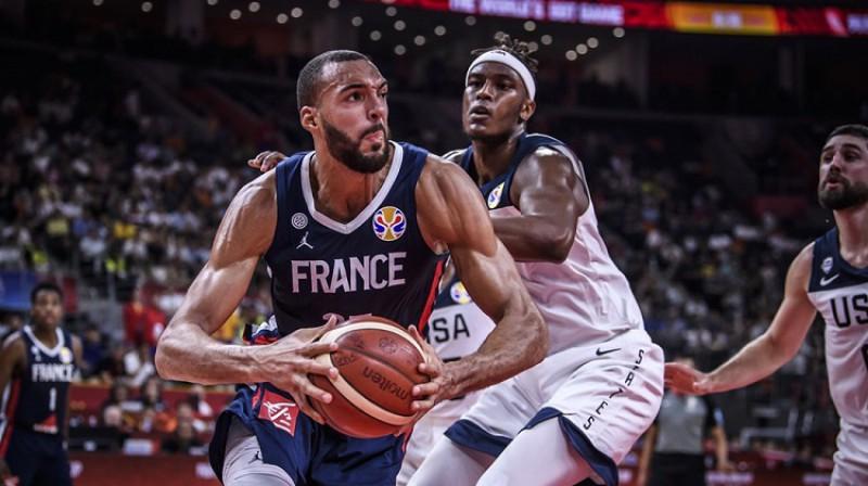 Rūdijs Gobērs: 21 punkts un 16 atlēkušās bumbas uzvarā pār ASV. Foto: FIBA