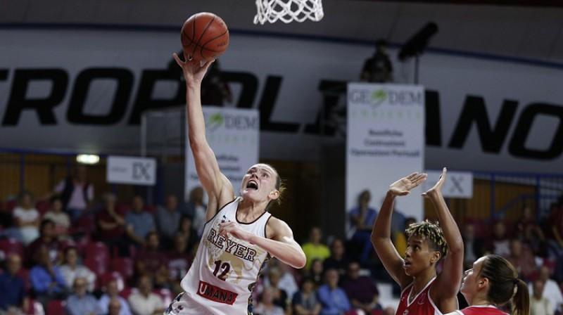 Anete Šteinberga: 16 punkti izšķirošajā spēlē pret Miškolcu. Foto: FIBA
