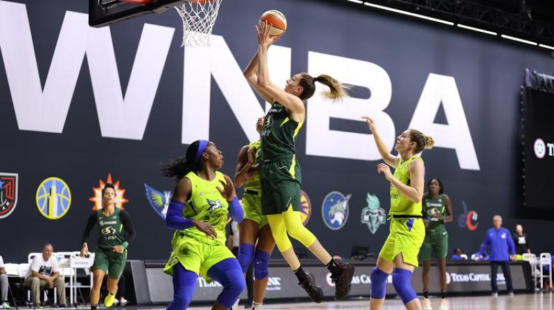"""Breana Stjuarte un Sietlas """"Storm"""": garantēta vieta WNBA pusfinālā. Foto: WNBA"""