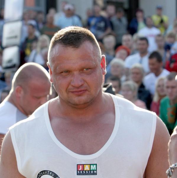 A.Kazeļņiks trešais spēkavīru Čempionu līgas Īrijas posmā