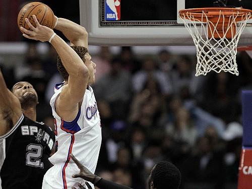 """NBA nosauc """"Slam Dunk"""" konkursa dalībniekus, to vidū Grifins"""