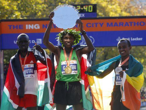 Ņujorkas maratonā ar jaunu trases rekordu uzvar Džefrijs Mutai