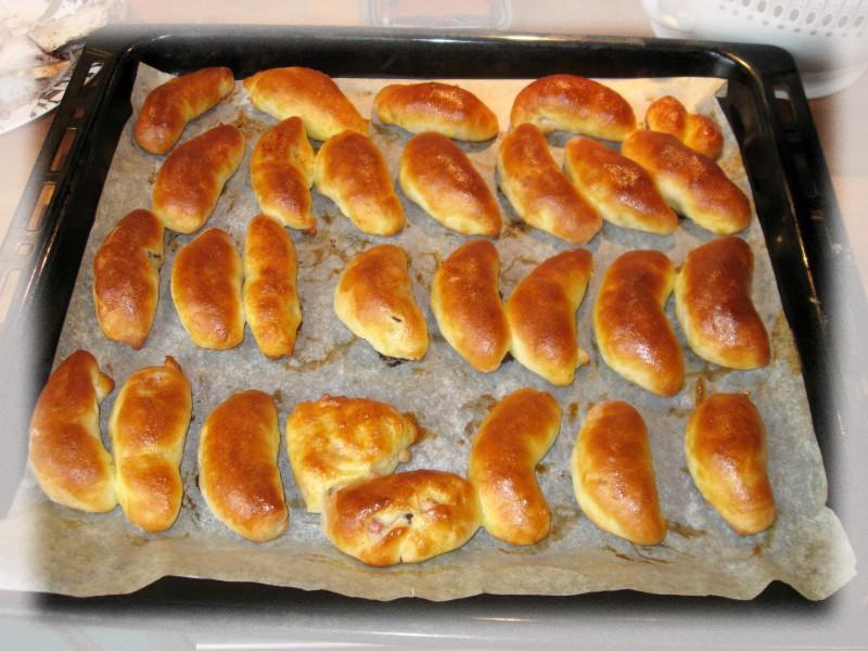 Jaungada pīrādziņi ar žāvētu gaļu