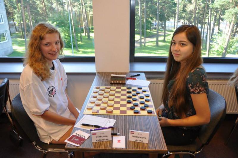 Dambretiste Česnokova - divkārtējā U16 Eiropas čempione
