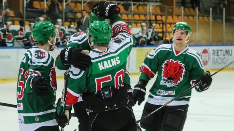 """Liepājā 17 gūtie vārti, """"Rīga"""" fantastiski atspēlējas, taču zaudē bullīšos"""