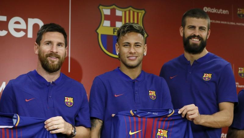 """Pikē: """"Neimārs nevar kļūt par Barselonas varoni, jo labākais vienmēr būs Mesi"""""""
