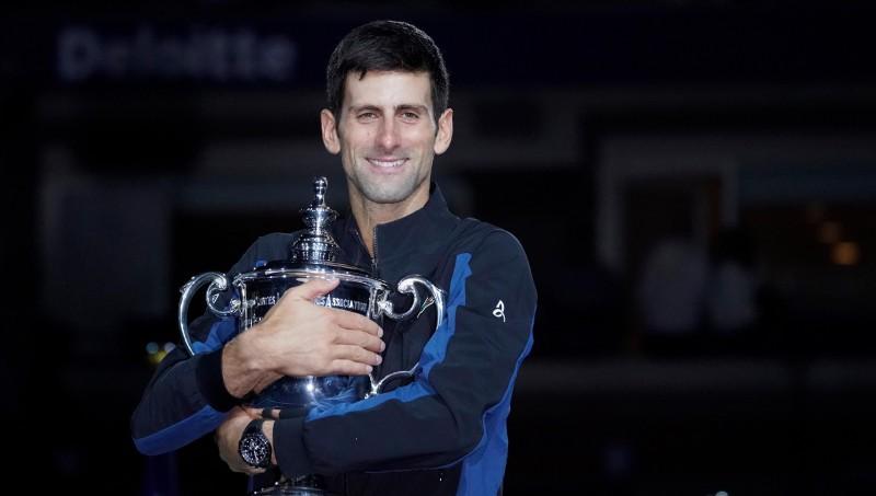 """Džokovičs ar 14. """"Grand Slam"""" titulu noķer Samprasu"""