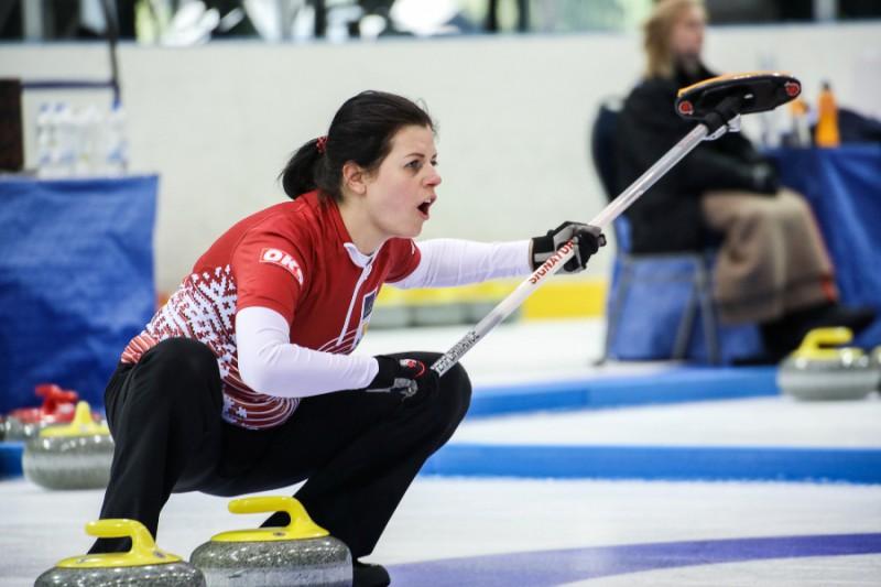 Latvija pasaules jaukto kērlinga komandu čempionātu uzsāk ar zaudējumu
