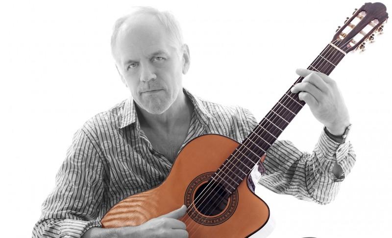 """Šonedēļ ciklā """"Brīvdienu mūzika"""" Dzintaru koncertzālē viesosies  leģendārais ģitārists – Aivars Hermanis"""