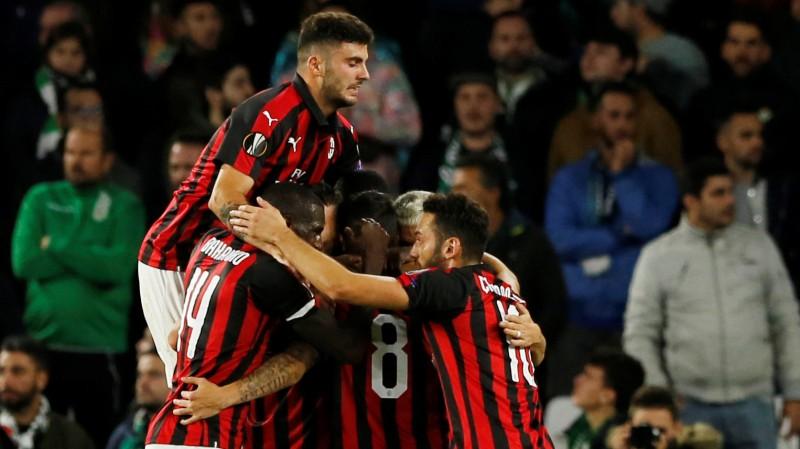 """""""Milan"""" atspēlējas Spānijā, """"Arsenal"""", Vaņina """"Zurich"""" un vēl divi klubi izkļūst no grupas"""