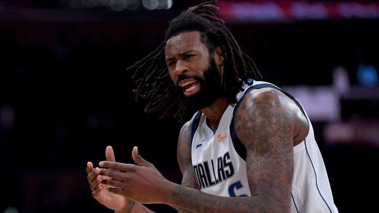 """Dalasa bez Dončiča pieveic """"Clippers"""", Deiviss dominē un nokārto """"Pelicans"""" uzvaru"""