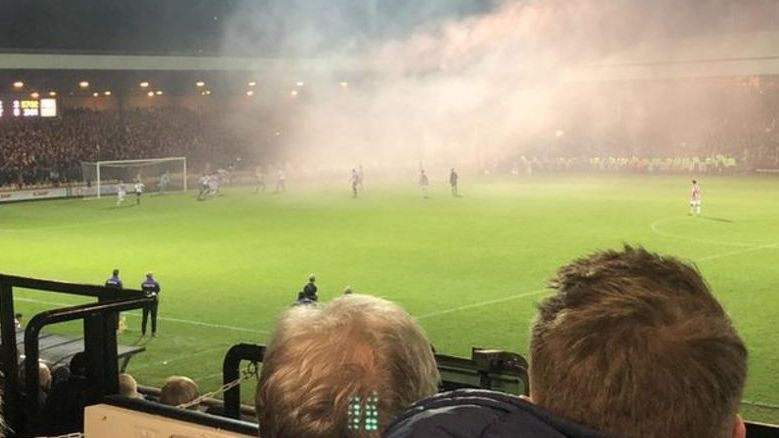 Anglija tiek veikti 11 aresti U21 futbola spēlē