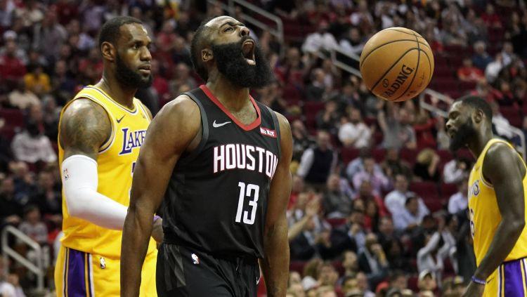 "Hārdenam 50 punkti un ""triple-double"" uzvarā pār ""Lakers"""