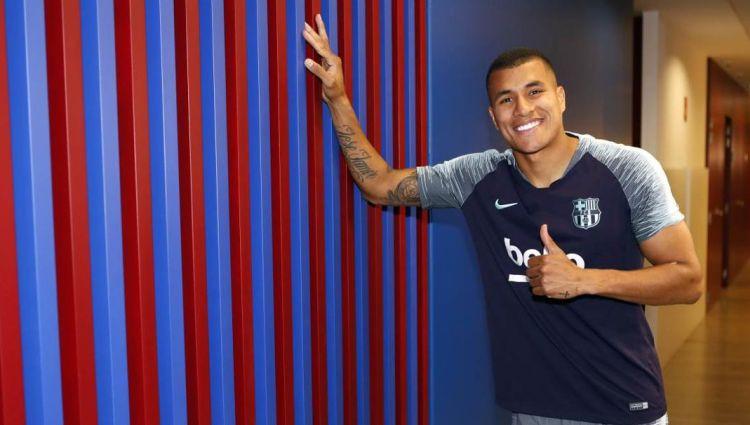"""""""Barcelona"""" no """"Valencia"""" īrē iegūst Kolumbijas aizsargu Muriljo"""