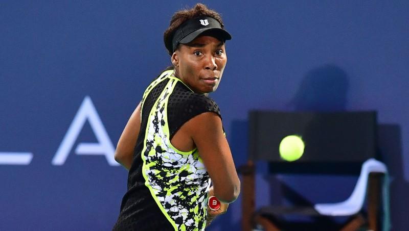 Venusa Viljamsa uzvar Azarenku, Kvitova pārtrauc zaudējumu sēriju