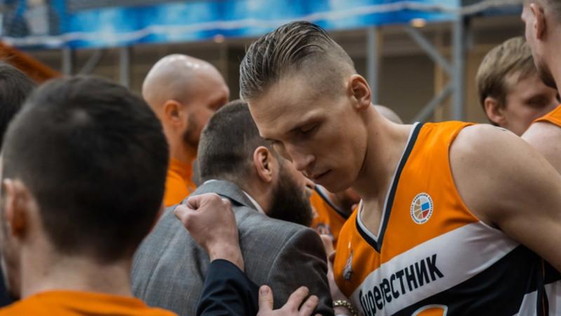 """Butjankovam 14 punkti, """"Burevestnik"""" netiek galā ar turnīra līderi un ielaiž 99 punktus"""