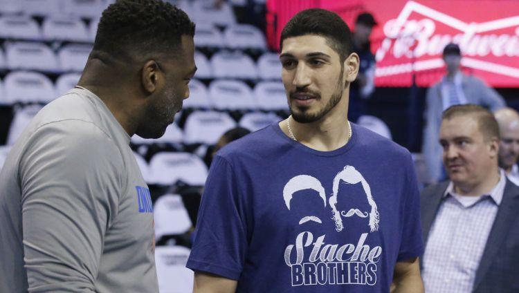 """Turcija vēlas panākt Ņujorkas """"Knicks"""" basketbolista Kantera izdošanu no ASV"""