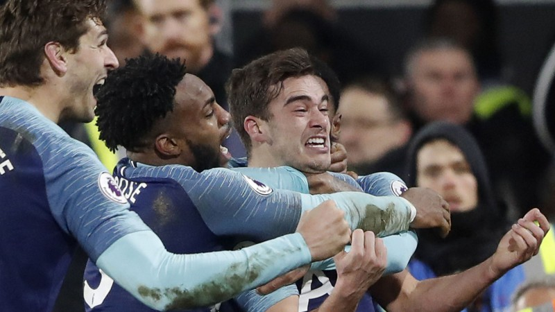 """""""Tottenham"""" kompensācijas laikā izrauj uzvaru pār """"Fulham"""""""