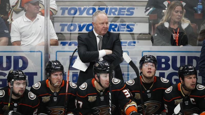 """""""Ducks"""" pēc septiņu zaudējumu sērijas atlaiž galveno treneri Kārlailu"""