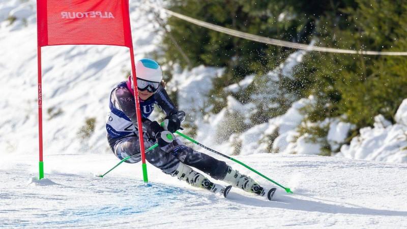 Talantīgā kalnu slēpotāja Ģērmane izcīna pirmo uzvaru FIS sacensībās