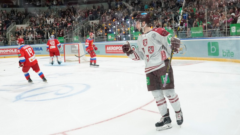 NHL maiņu perioda izskaņā arī latvietis: Somijā spēlējošais Dzierkals nokļūst Vegasā