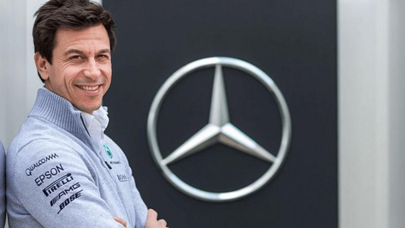 """Volfs: """"Hamiltons var iet uz """"Ferrari"""", man patīk arī citi piloti"""""""
