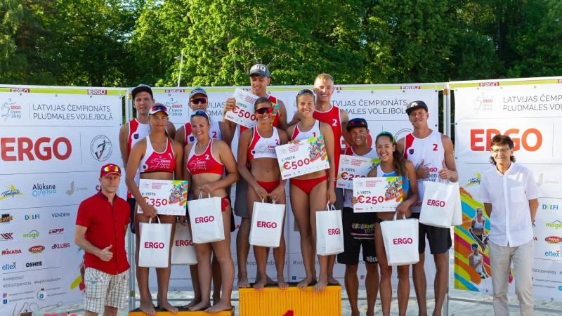 Lietuvas pludmales volejbolisti Alūksnē pārsteidzoši uzvar LČ otrajā posmā