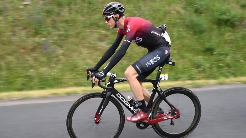 """Titulētais Frūms treniņā ietriecas sienā un izlaidīs """"Tour de France"""""""