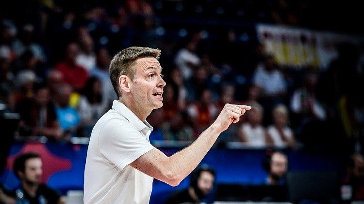 Auf wiedersehen, Olaf! Krievija atlaiž sesto sieviešu izlases treneri 10 gadu laikā