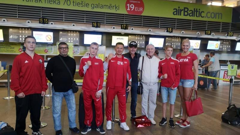 Jaunais bokseris Sarovs ar uzvaru sāk Eiropas čempionātu skolēniem