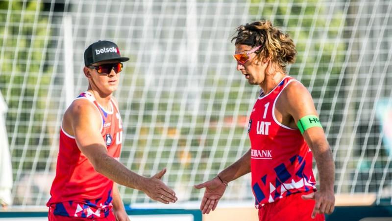 """Samoilovs un Šmēdiņš pārliecinoši iesoļo Eiropas čempionāta """"play-off"""""""