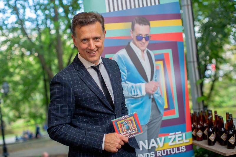 """Normunds Rutulis prezentē albumu  """"Man nav žēl"""" un dodas koncerttūrē"""