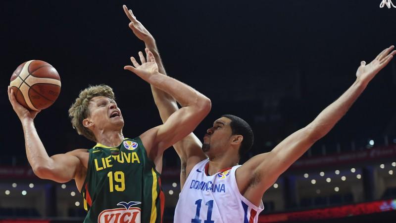 Lietuva dominē soda laukumā un Adomaiša atvadu spēlē sakauj Dominikānu